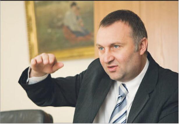 – Gwarantuję, że na wypłaty rent strukturalnych nie będą przeznaczone unijne środki z programu na tworzenie nowych miejsc pracy – mówi Artur Ławniczak, wiceminister rolnictwa i rozwoju wsi Fot. Marek Matusiak