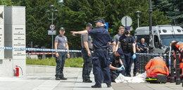 Przed Sejmem podpalił się mężczyzna