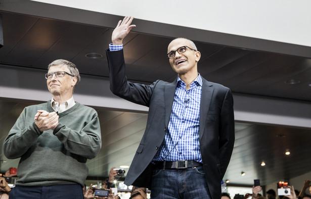 Satya Nadella i Bill Gates