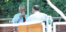 Dorn wrócił do pracy... i pije