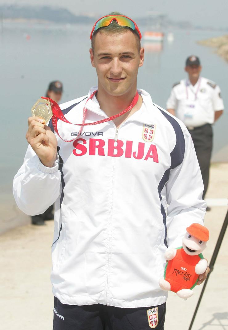 356501_dragosavljevic-sa-medaljom