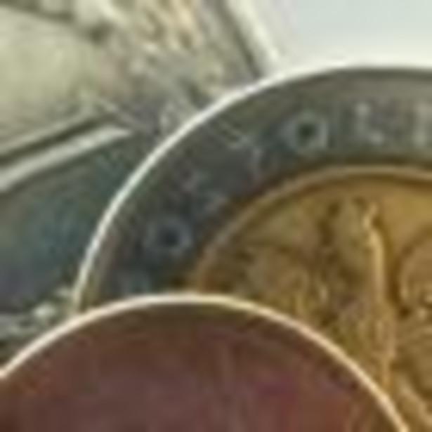 Złoty umocnił się w środę w stosunku do euro oraz dolara, a jego kurs osiągnął najwyższy poziom od trzech tygodni. Polskiej walucie sprzyjało poprawienie nastrojów na światowych rynkach.