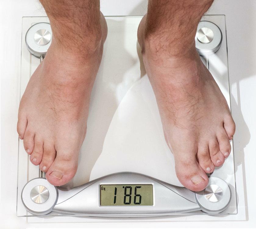 Kontrolowanie wagi jest ważne. Otyłość jest tym czynnikiem, który sprzyja rakowi prostaty
