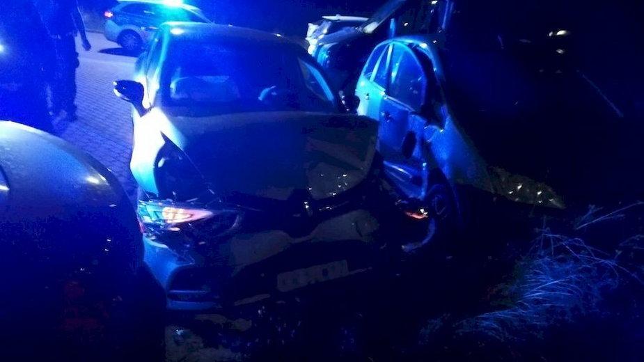 Pościg w Gdańsku. Zniszczone auto