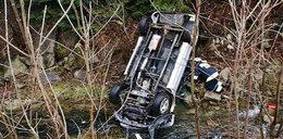 Samochód wpadł do potoku. 30-latek zginął na miejscu