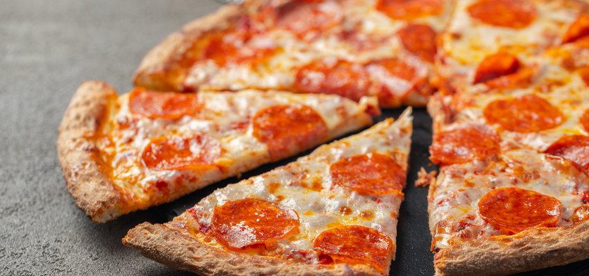 Dostawca pizzy wykonywał rutynowy kurs w Warszawie. Koszmarny finał