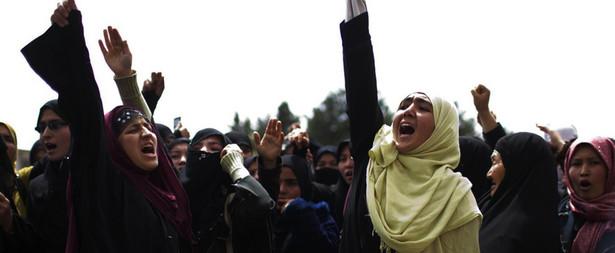 """""""Wiele kobiet pisze, że nie możemy się zgodzić, by talibowie decydowali o naszym życiu"""""""