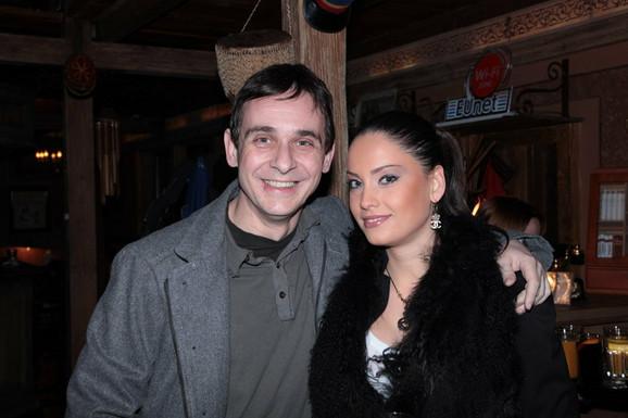 Glavni junaci serije Marko Živić i Mirka Vasiljević