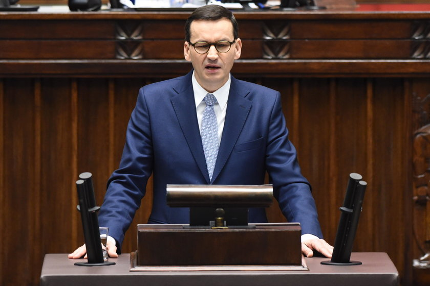 Premier Morawiecki przekonywał w Sejmie, że ceny są niższe niż przed rokiem