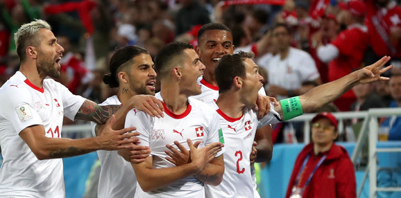 Slavlje Švajcaraca posle pogotka Granita Džake