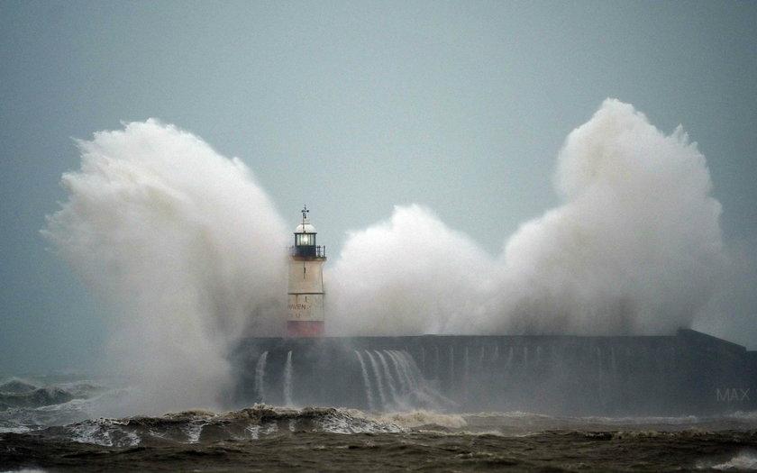 Gwałtowne załamanie pogody. Orkan Sabina w Polsce, a nad Europę nadciąga sztorm Ciara!