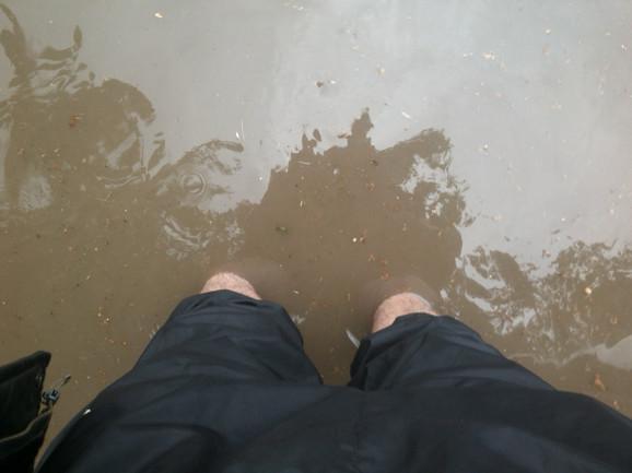 Voda i blato do kolena (Foto: Bojan Milanović)