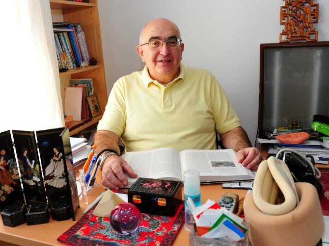 Dr Predrag Mugoša, fizijatar: Doktor koji leči prstima, rečima, osećanjima, kao da je naš rod rođeni