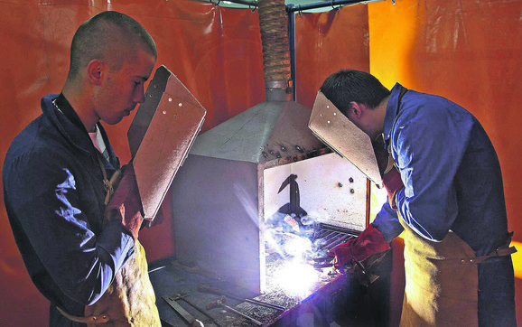 Najviše se traže bravari, zavarivači, operateri mašinske obrade, glodači, strugari i brusači sa znanjem rada i na CNC mašinama