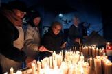 Paljenje sveća za Slobodana Praljka