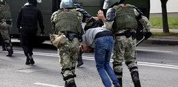 Szokujące doniesienia. Ponad 500 przypadków tortur w białoruskich aresztach
