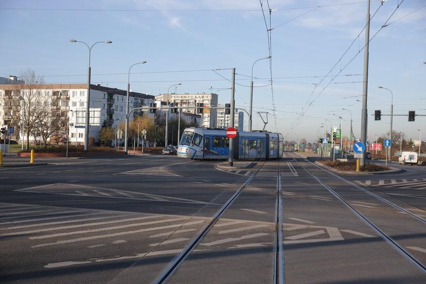 Torowisko tramwajowe u zbiegu Bardzkiej z ul. Świeradowską