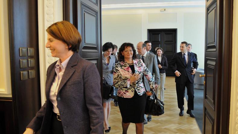 Nowy minister Tuska ma zakaz występowania w mediach