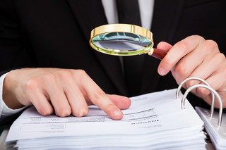 CBA zatrzymało dwoje podejrzanych o oszustwo przy zamówieniu dla MF