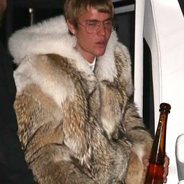 Justin Bieber w wielkim futrze. Hit czy kit?