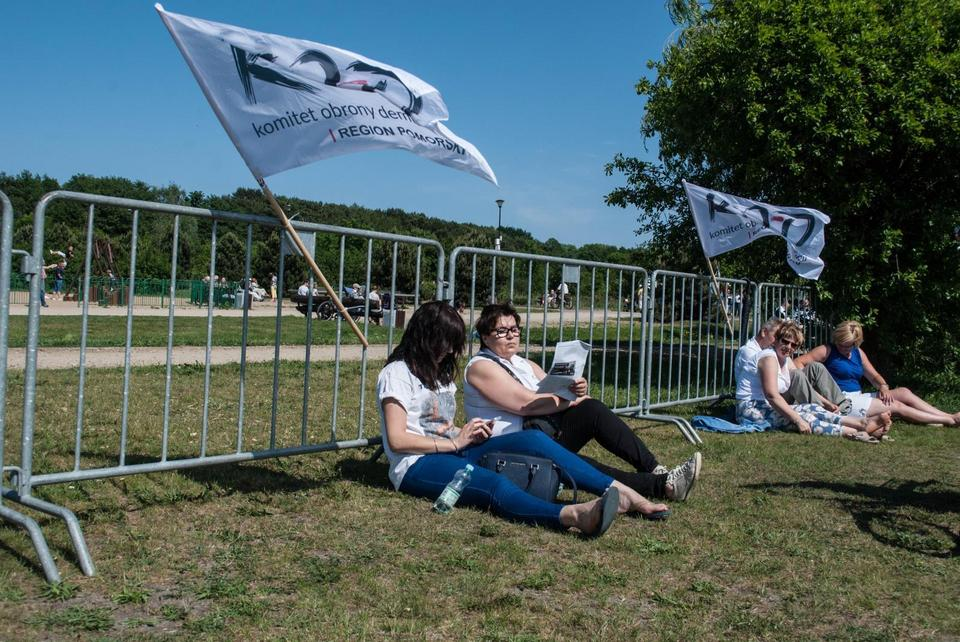 """Gdańsk: Piknik KOD-u niczym festyn rodzinny. """"Dziś nie chodzi o bieżącą politykę"""""""