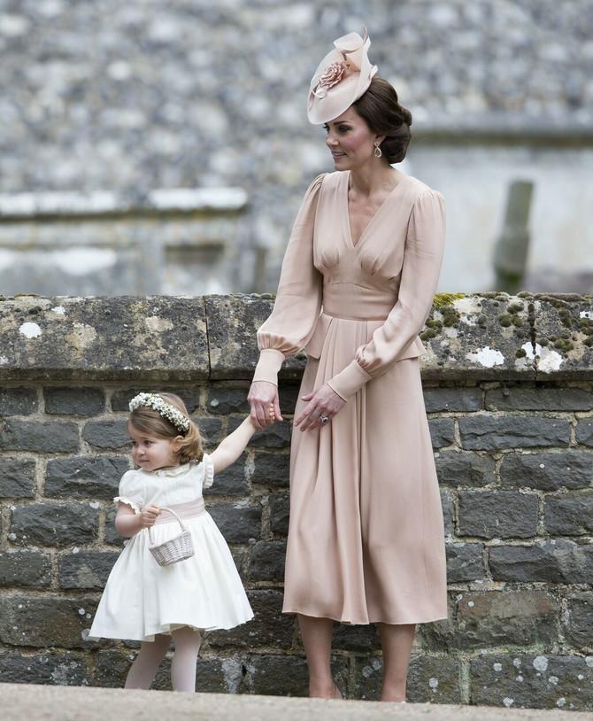 Kejt Midlton sa ćerkom Šarlot