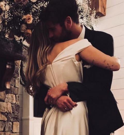 Nakon raskida sa njim, pričali su da je pukla! Sada ju je oženio, a pevačica izgleda lepše nego ikada!