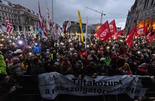 Węgry: Tysiące ludzi na manifestacji przeciw nowelizacji kodeksu pracy