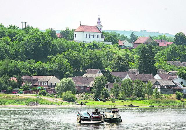 I prevoz i uživanje u reci i krajoliku