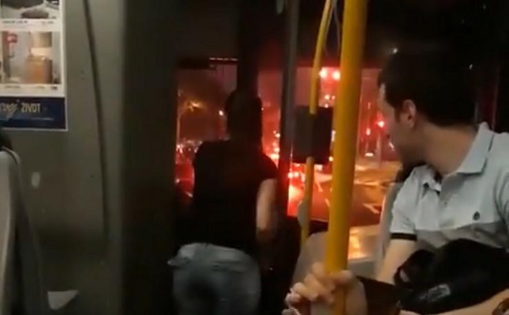 autobus vozač magla