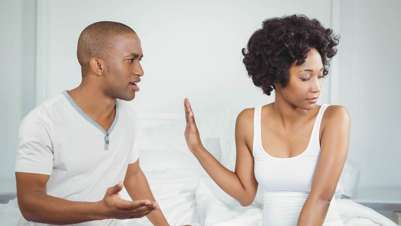 things a woman should never do for a man
