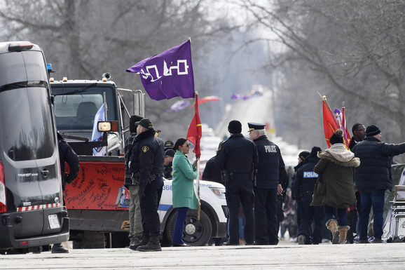Demonstranti iz plemena Mohavk