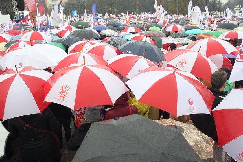Protestują przeciw reformie PiS