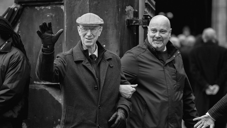Jack Charlton (z lewej)
