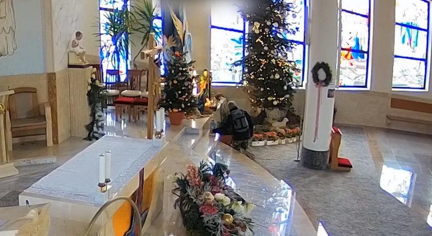 Bezczelni złodzieje ukradli kościelną skarbonkę. Wszystko się nagrało