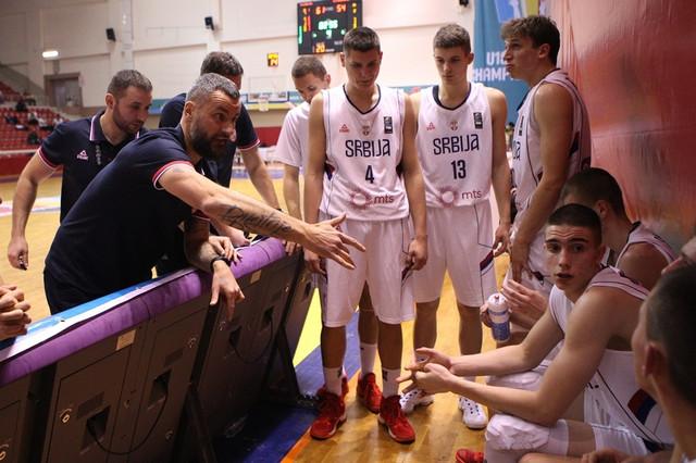 Juniori tek deseti u Evropi: Selektor Gurović i igrači