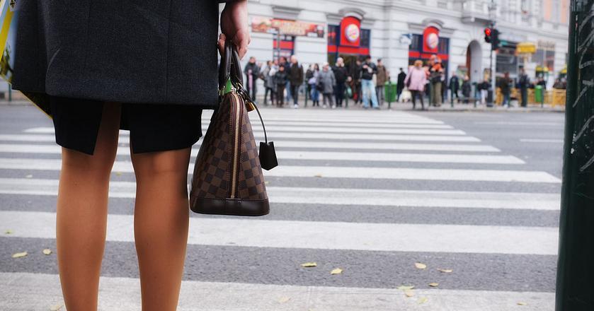 Polki boją się utraty pracy i nie mają odwagi iść po podwyżkę