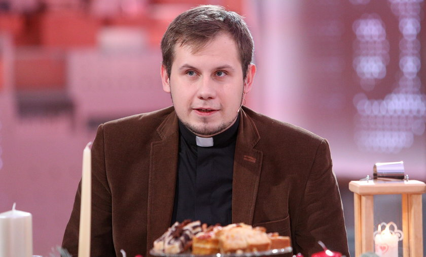Pierwszy polski ksiądz, który zrobił coming out. Co mówi o Bogu?
