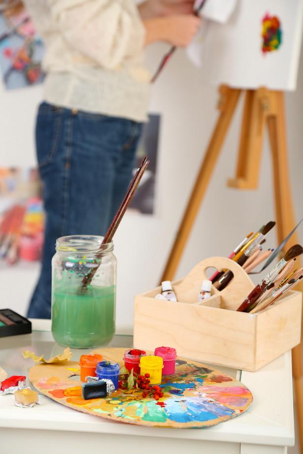 Zdarza się, że sztuka nie daje wystarczających środków na utrzymanie.