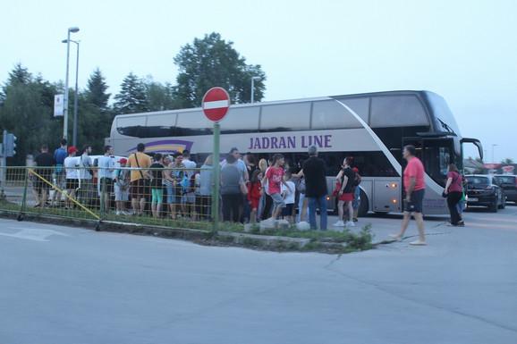Autobus sa đacima stigao je u Suboticu oko 20.30