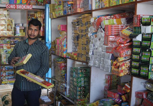 Sklep z fajerwerkami w Delhi