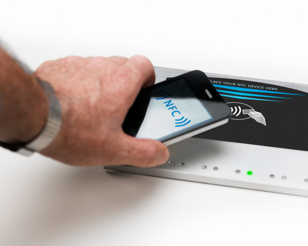 Czy płatności zbliżeniowe w T-Mobile i Orange to początek rewolucji w płatnościach elektronicznych
