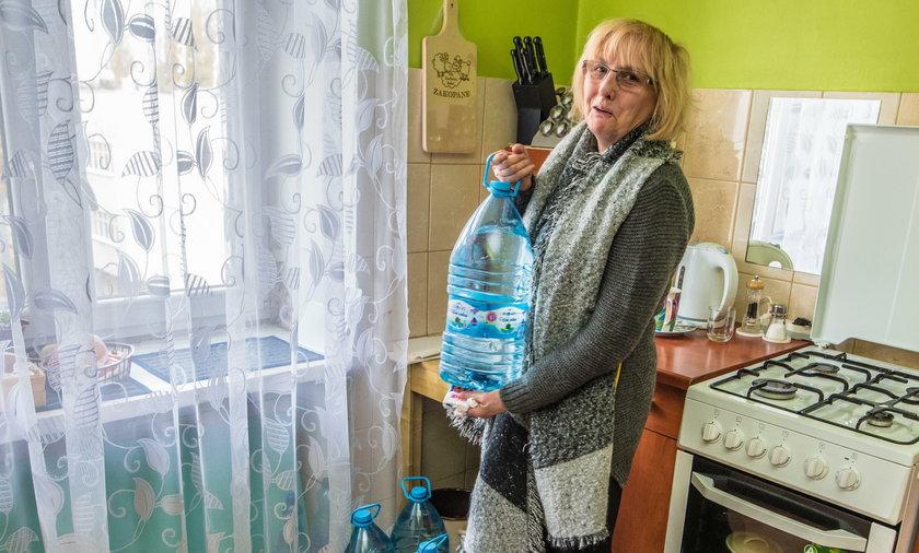 Właściciel kamienicy odciął wodę lokatorce z Mielczarskiego