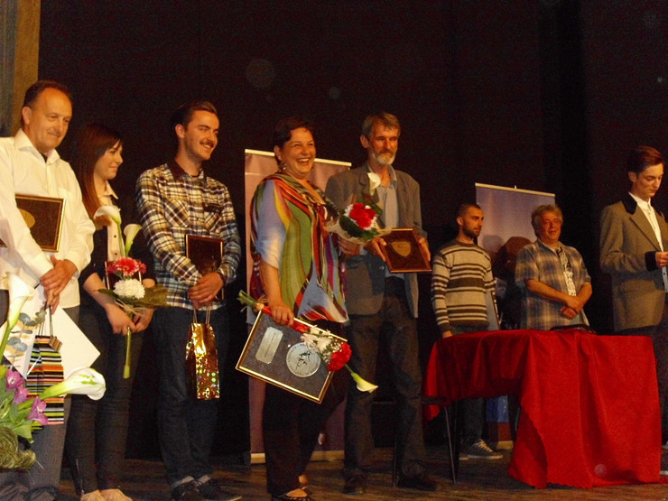 605434_loznica04-urucena-priznanja-najboljim-glumcima-dobitnici-nagrada-foto-s.pajic