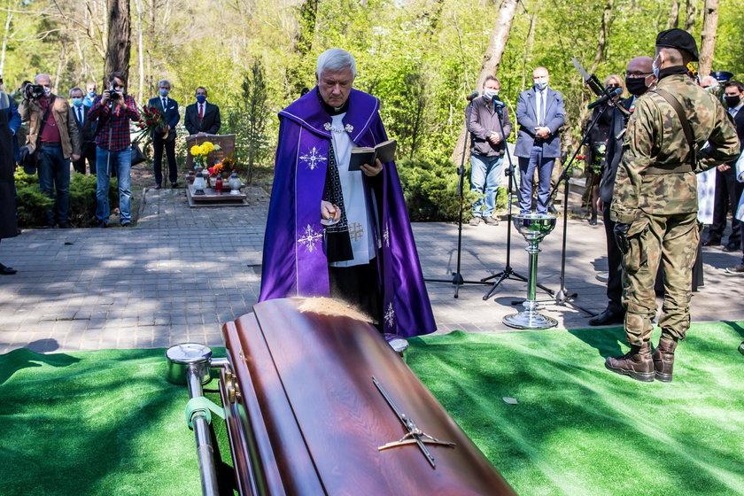 Pogrzeb Krystyny Łybackiej. Była minister edukacji spoczęła w Poznaniu