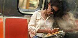 Przyłapano światową gwiazdę w metrze. Poznasz kto to?