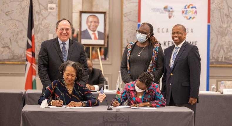 KEPSA CEO Carole Kariuki (right) and CEO of CCA Florie Liser (left) were involved in the signing of a detailed private sector agreement that seeks to expand trade and investments between Kenya and the United States of America.