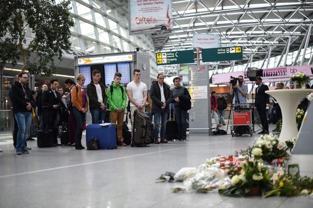 Airbus A320 linii Germanwings, lecący z Barcelony do Duesseldorfu, rozbił się we wtorek, uderzając o zbocze góry w pobliżu miejscowości Meolans-Revel we francuskich Alpach. W krajach związanych z katastrofą trwa żałoba