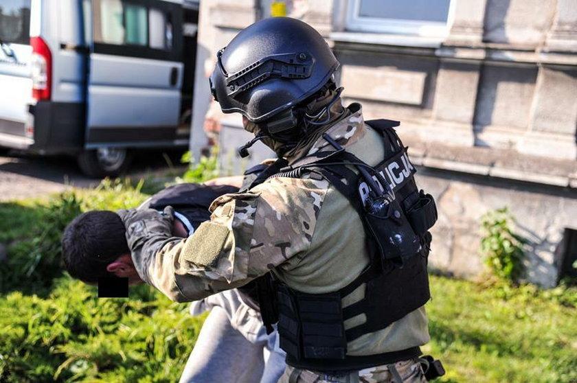 """""""Mam zakładnika, granatnik i karabin"""" - groza w Gubinie"""