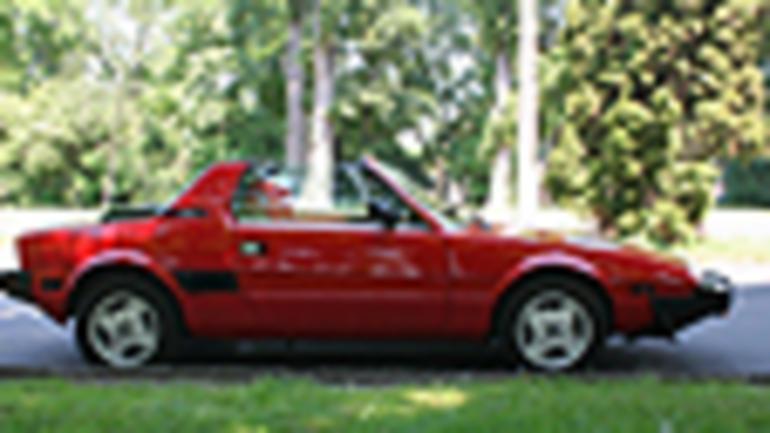 Fiat X1/9 - Dziecinne Ferrari